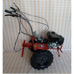 Мотоблок бензиновый ЗУБР МТШ-700 ( вал отбора мощности d-18 мм, Дифференциал, дисковое сцепление, 13 л.с., понижающая передача, гарантия 5 лет)