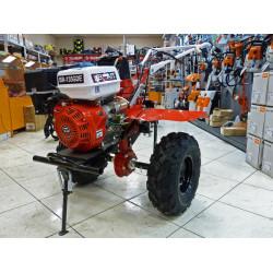 Мотоблок бензиновый Brait BR-135GDE (15 л.с. ,электростартер, вал отбора мощности, фрезы в комплекте, колеса 5*12) / 04.01.078.002