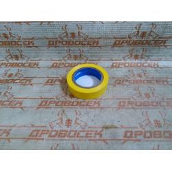 Изолента самозатухающая ПВХ ЗУБР желтая (ширина 15 мм + длина 10 м + 6000 В) / 1233-5
